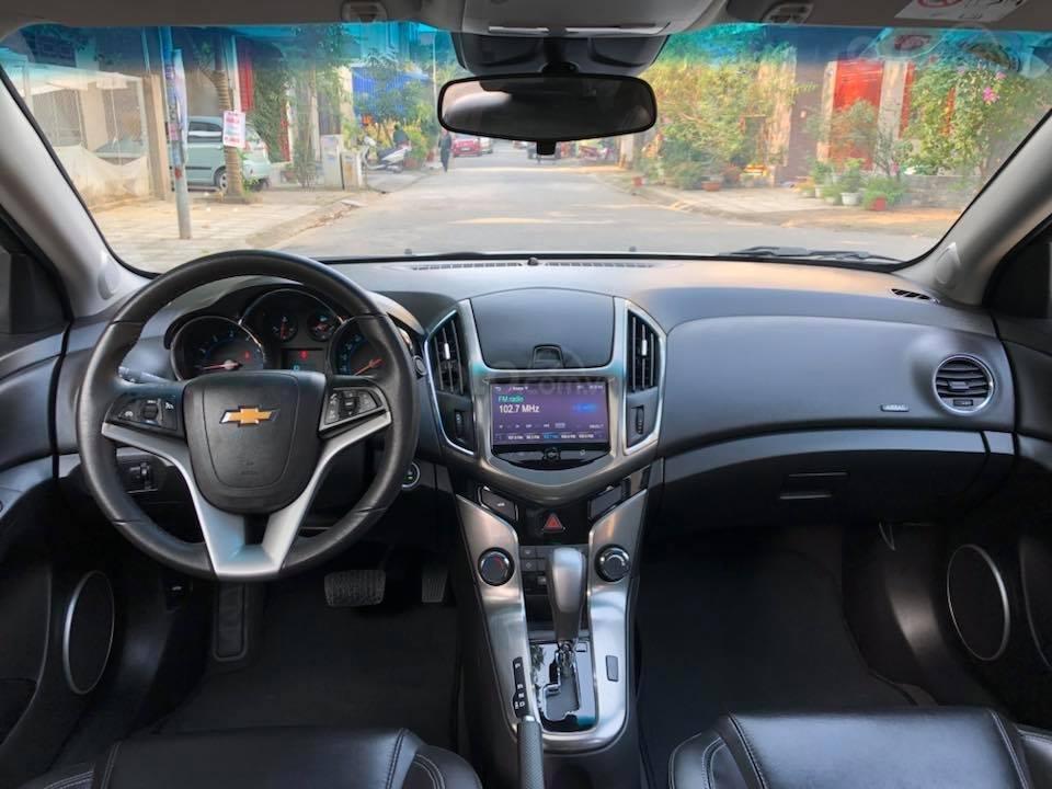 Bán gấp Chevrolet Cruze LTZ 1.8 2018 màu trắng, biển SG (2)