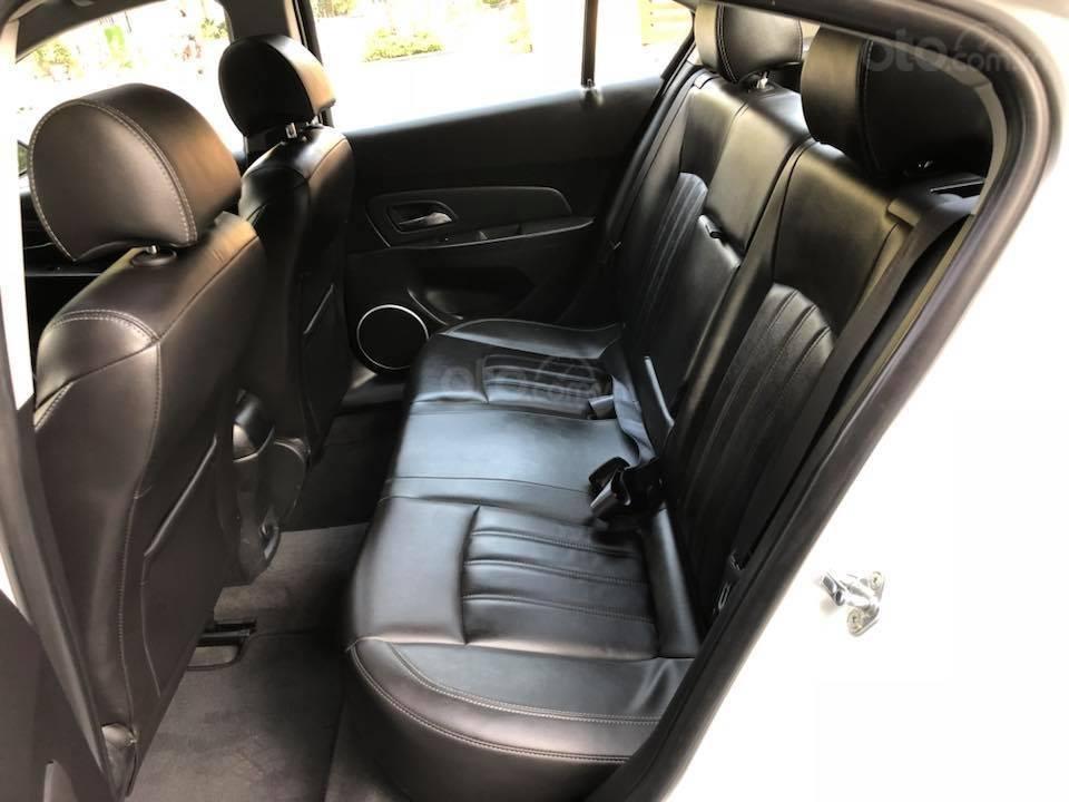 Bán gấp Chevrolet Cruze LTZ 1.8 2018 màu trắng, biển SG (3)