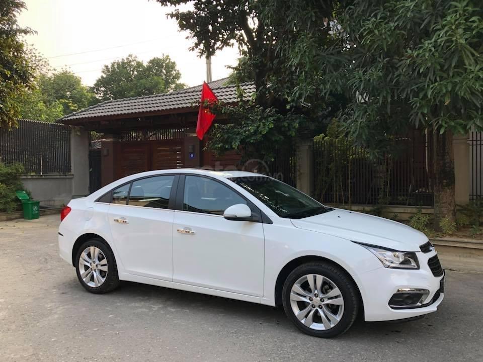 Bán gấp Chevrolet Cruze LTZ 1.8 2018 màu trắng, biển SG (7)