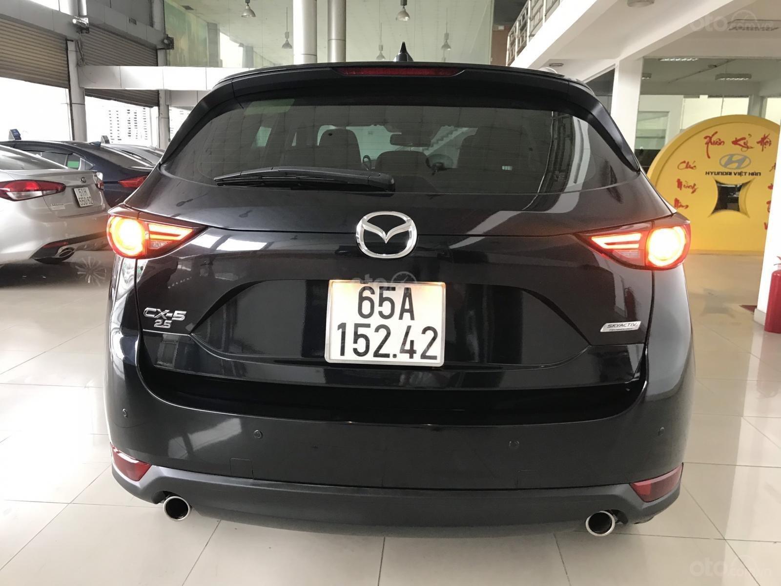 Bán xe Mazda CX5 2.5AT đời 2018, màu đen, mới 99% (9)