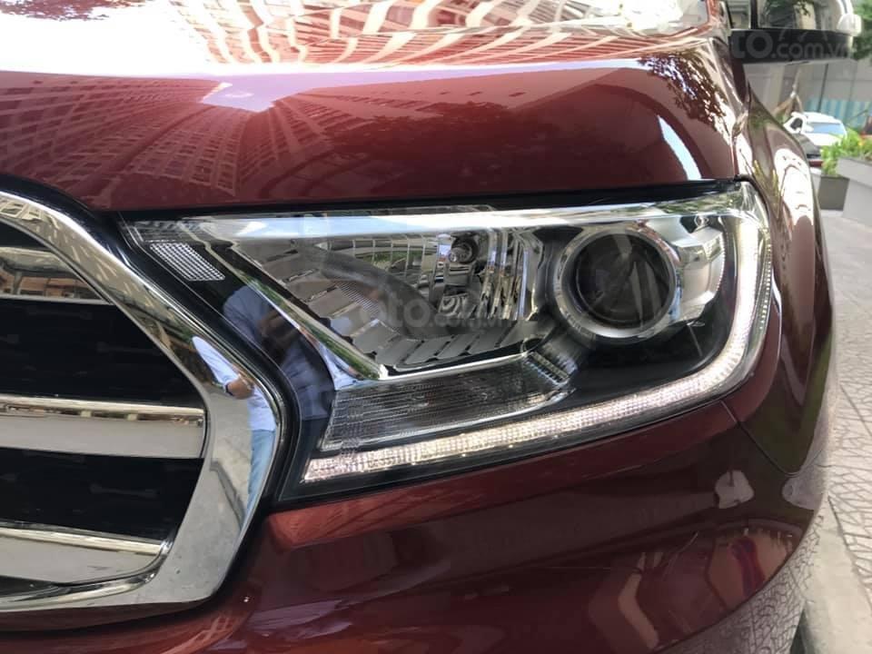 Ford Everet Titanium 4x2 AT sản xuất 2018, màu đỏ tên tư nhân (11)