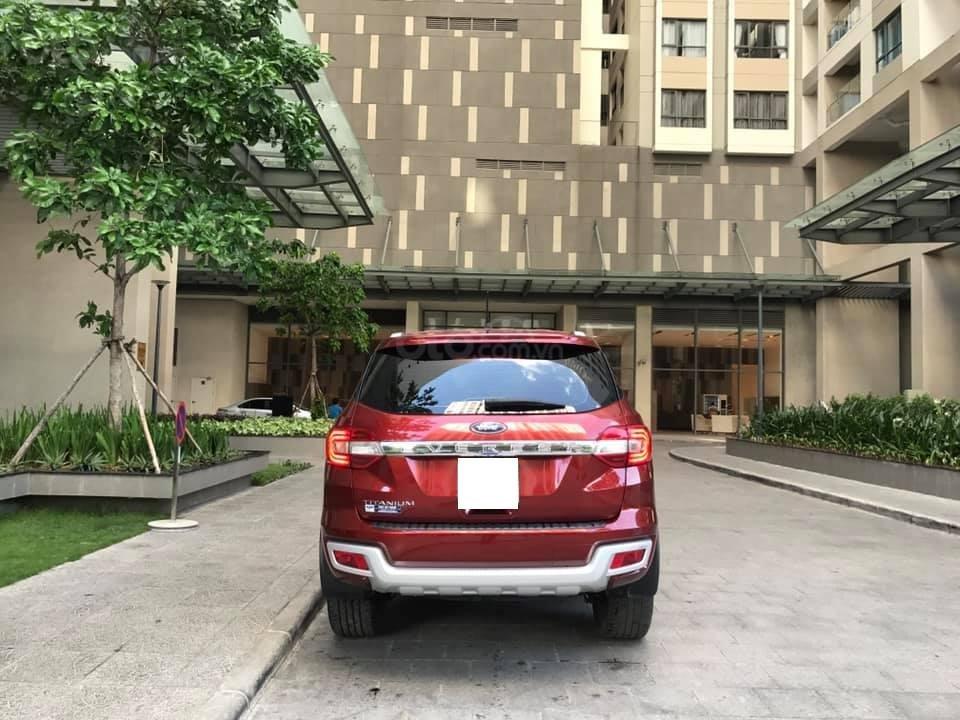 Ford Everet Titanium 4x2 AT sản xuất 2018, màu đỏ tên tư nhân (5)