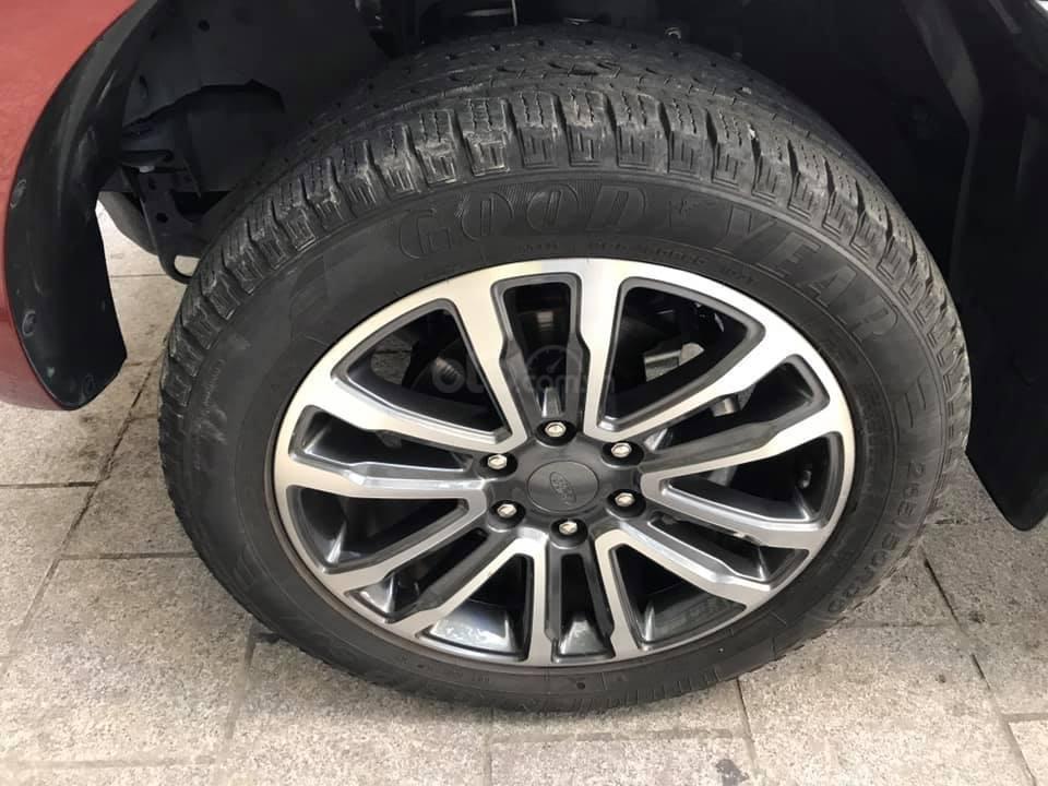 Ford Everet Titanium 4x2 AT sản xuất 2018, màu đỏ tên tư nhân (10)