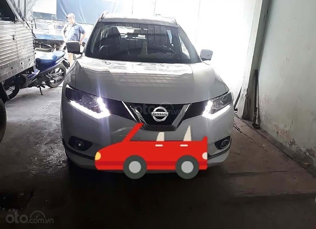 Cần bán lại xe Nissan X trail Premuim 2018, màu trắng, giá chỉ 860 triệu (1)
