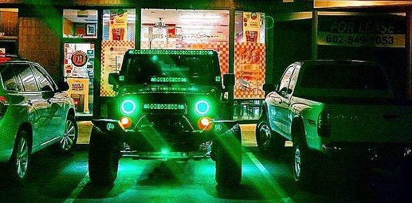 Những điều không nên làm khi độ xe ô tô - Hạn chế đèn quá sáng, nhiều đèn hoặc đèn màu