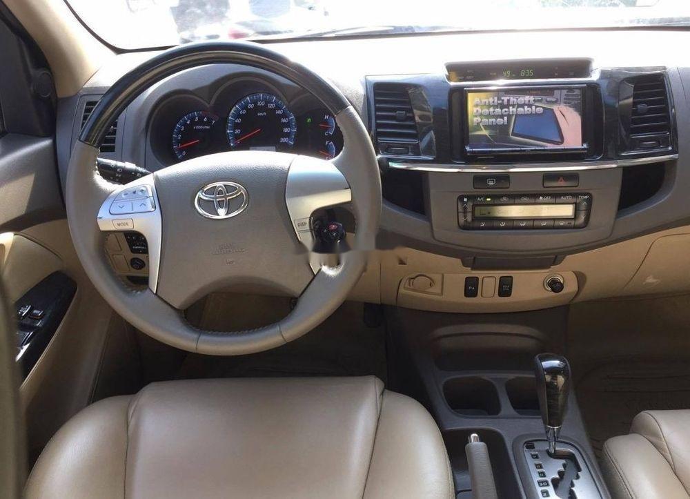 Bán Toyota Fortuner đời 2012, màu bạc, xe như mới, 633tr (5)