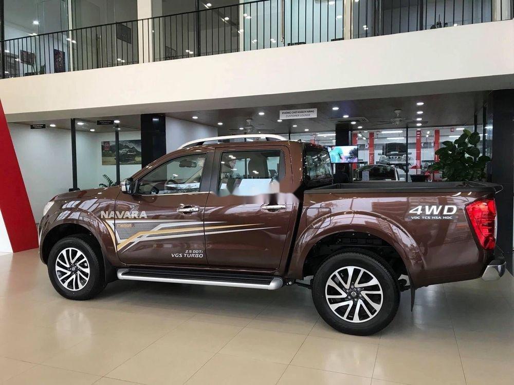 Bán Nissan Navara 2019, màu nâu, xe nhập (4)