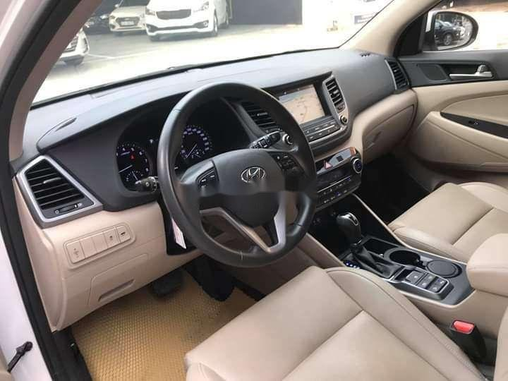 Bán Hyundai Tucson sản xuất năm 2018, màu trắng xe nguyên bản (5)