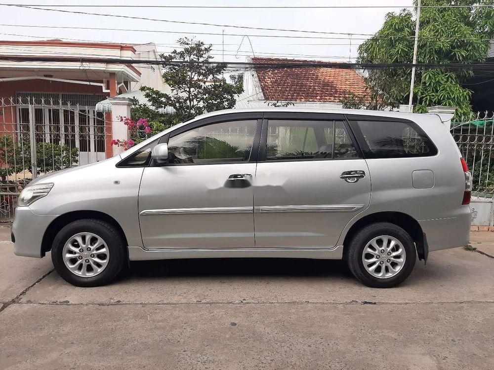 Bán Toyota Innova 2014, màu bạc xe nguyên bản (3)