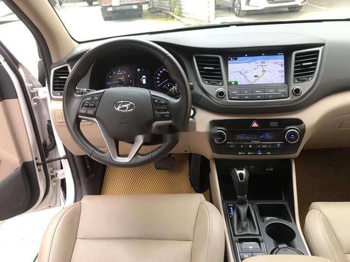 Bán Hyundai Tucson sản xuất năm 2018, màu trắng xe nguyên bản (8)