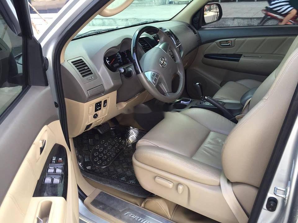 Bán Toyota Fortuner đời 2012, màu bạc, xe như mới, 633tr (7)