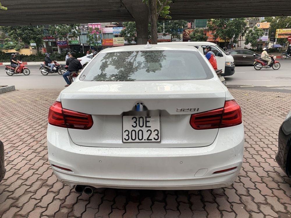 Cần bán xe BMW 320i đời 2016, màu trắng, xe nhập (5)