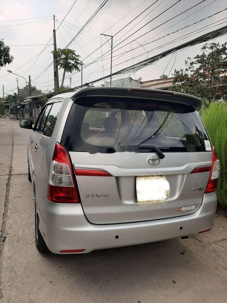 Bán Toyota Innova 2014, màu bạc xe nguyên bản (2)