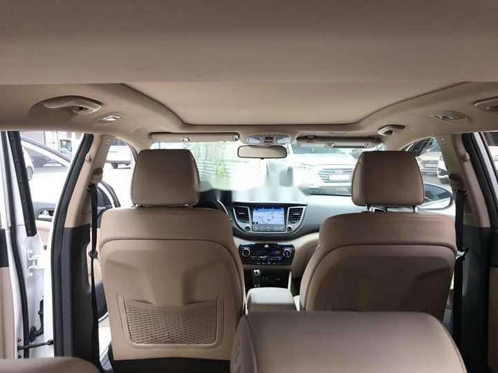 Bán Hyundai Tucson sản xuất năm 2018, màu trắng xe nguyên bản (9)