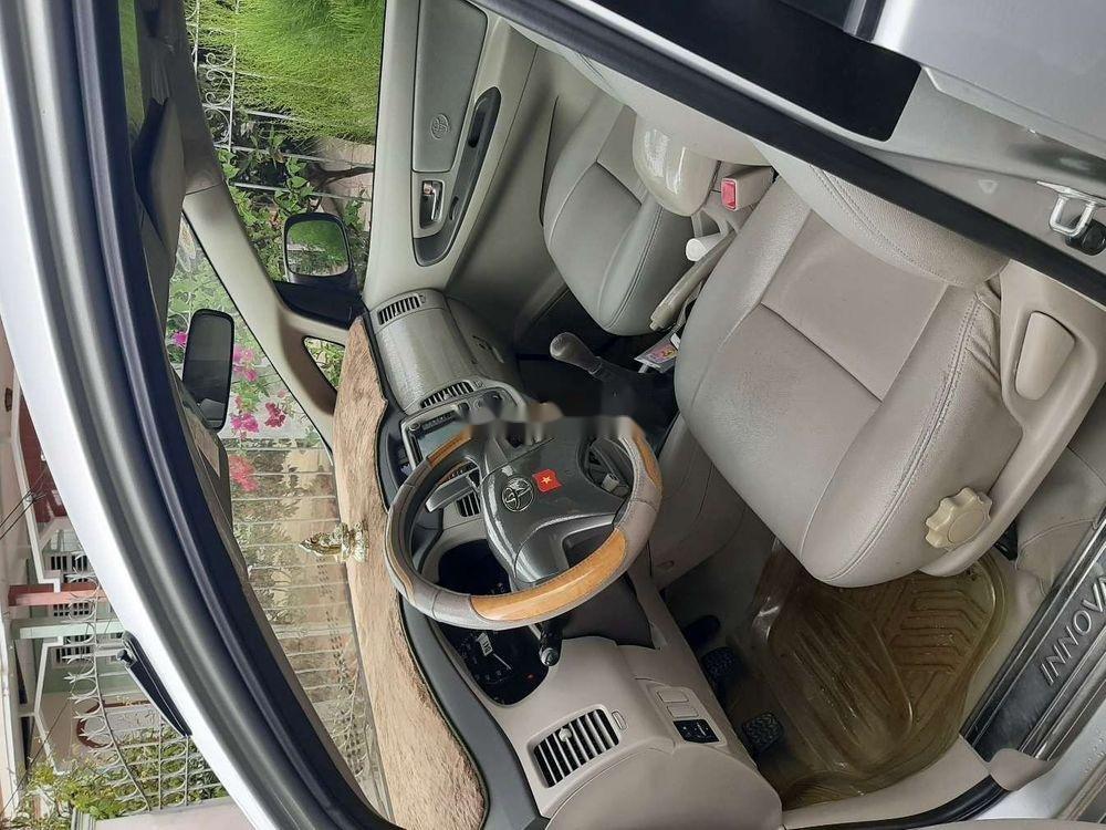 Bán Toyota Innova 2014, màu bạc xe nguyên bản (4)