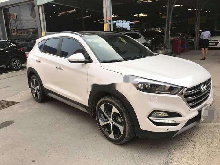 Bán Hyundai Tucson sản xuất năm 2018, màu trắng xe nguyên bản (2)