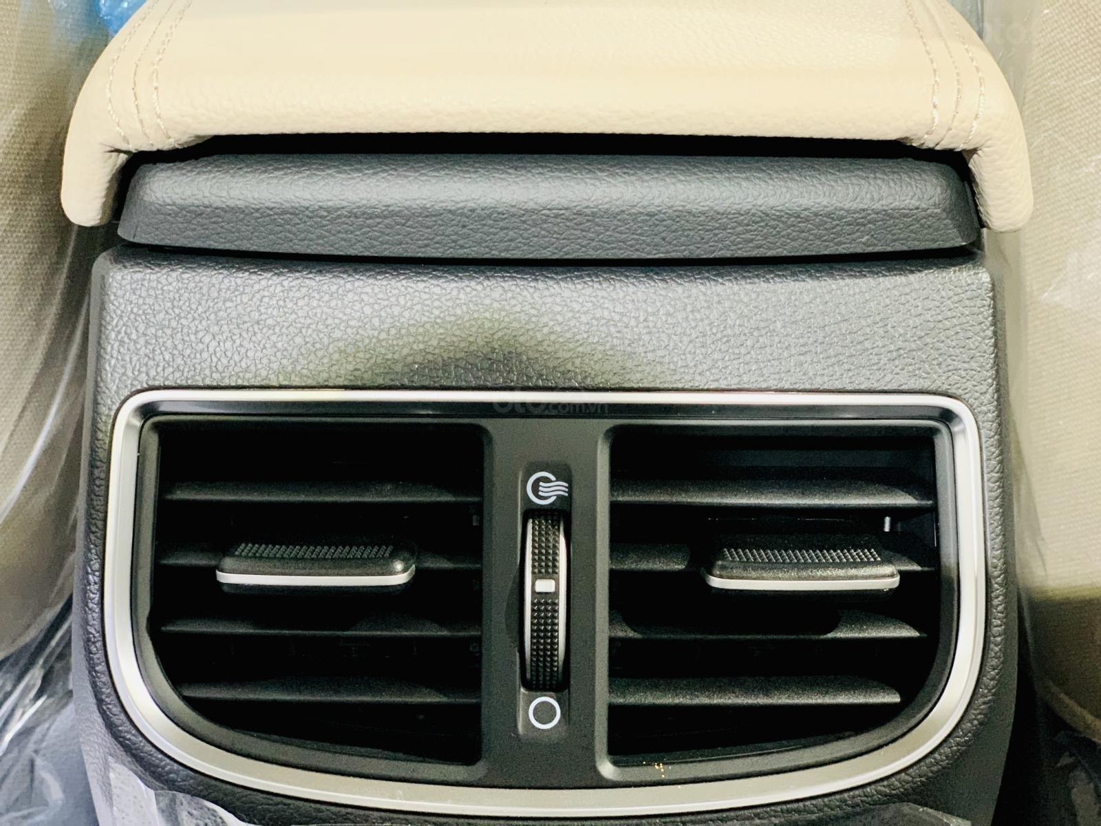Hyundai Elantra giá bán cạnh tranh, khuyến mãi quà tặng phụ kiện giá trị thật, xe sẵn giao ngay (17)