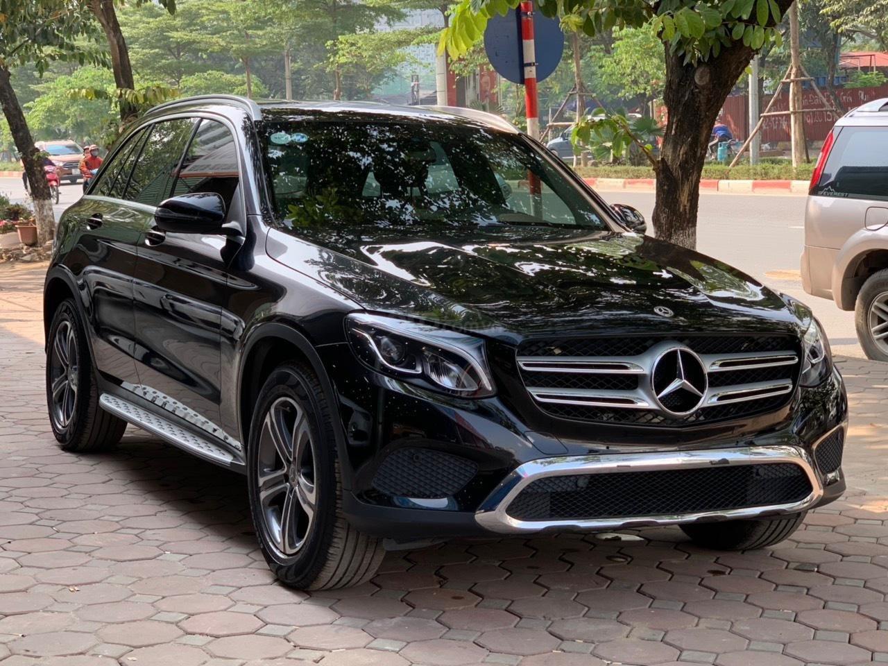 Bán ô tô Mercedes GLC200 sx 2018 (1)