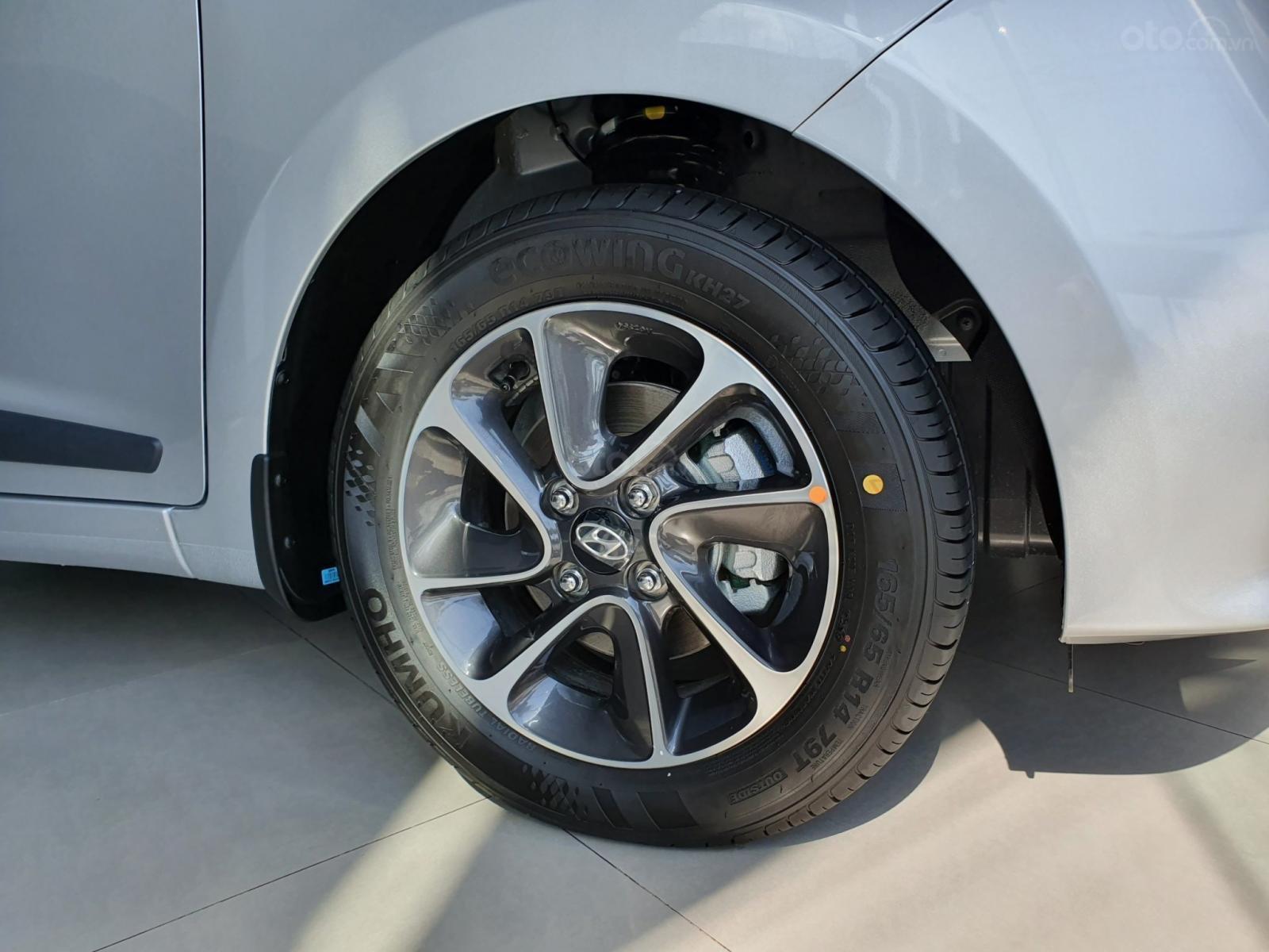"""""""Sốc"""" Tặng 15 triệu phụ kiện - Chỉ 120 triệu nhận xe - Hyundai Grand i10 1.2 2019, trả góp 85% - 0968500607 (4)"""