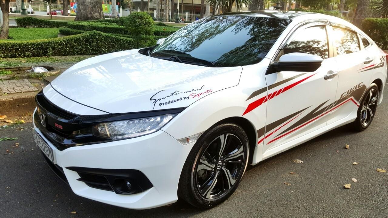 Bán Honda Civic 1.5 RS đời 2018 mới 98%, liên hệ 0913992465 Thanh (2)