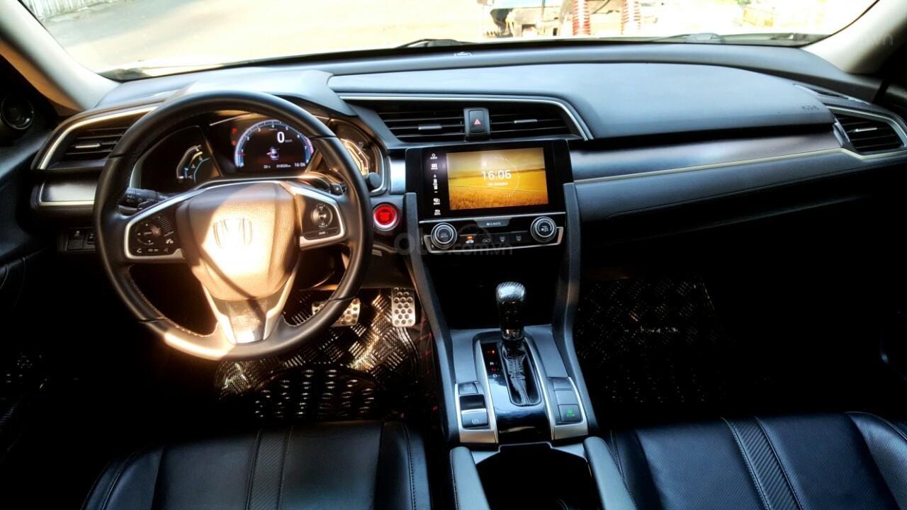 Bán Honda Civic 1.5 RS đời 2018 mới 98%, liên hệ 0913992465 Thanh (8)
