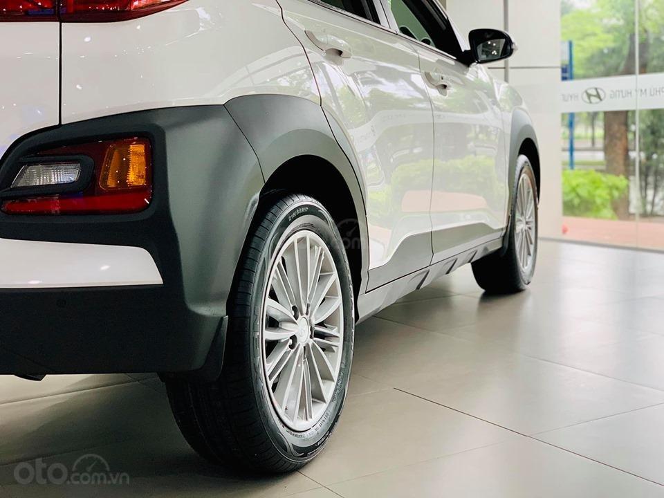 Hyundai Kona giá bán cạnh tranh, khuyến mãi quà tặng phụ kiện giá trị thật (6)