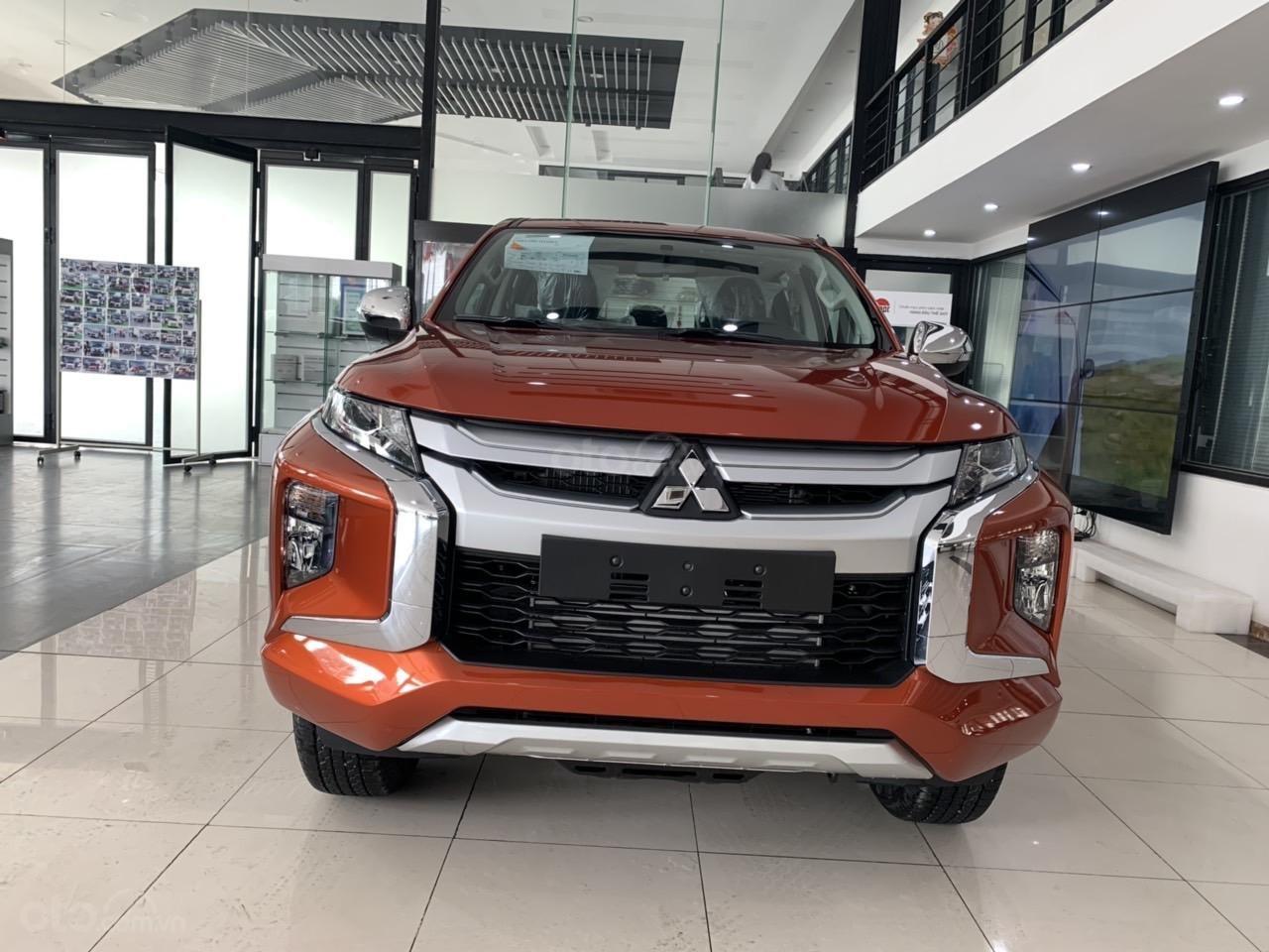 Mitsubishi Triton 4x2 AT Mivec màu cam nhập khẩu giá chỉ 630 triệu, giảm giá tốt nhất thị trường (1)