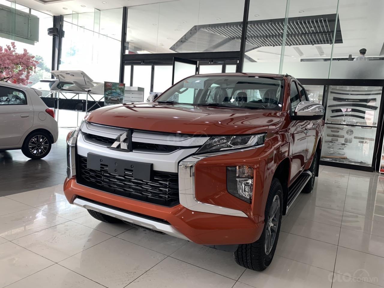 Mitsubishi Triton 4x2 AT Mivec màu cam nhập khẩu giá chỉ 630 triệu, giảm giá tốt nhất thị trường (2)