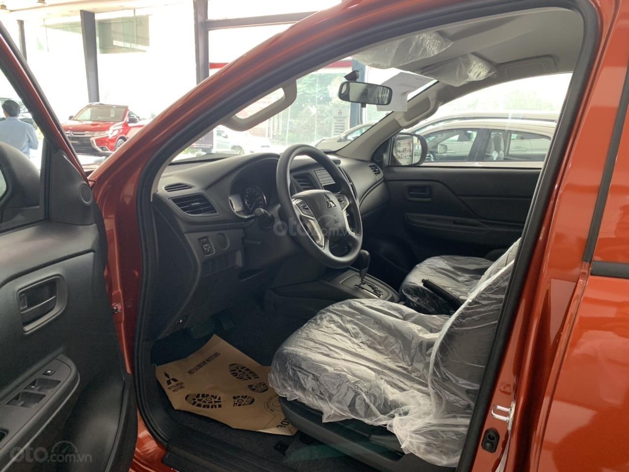 Mitsubishi Triton 4x2 AT Mivec màu cam nhập khẩu giá chỉ 630 triệu, giảm giá tốt nhất thị trường (5)