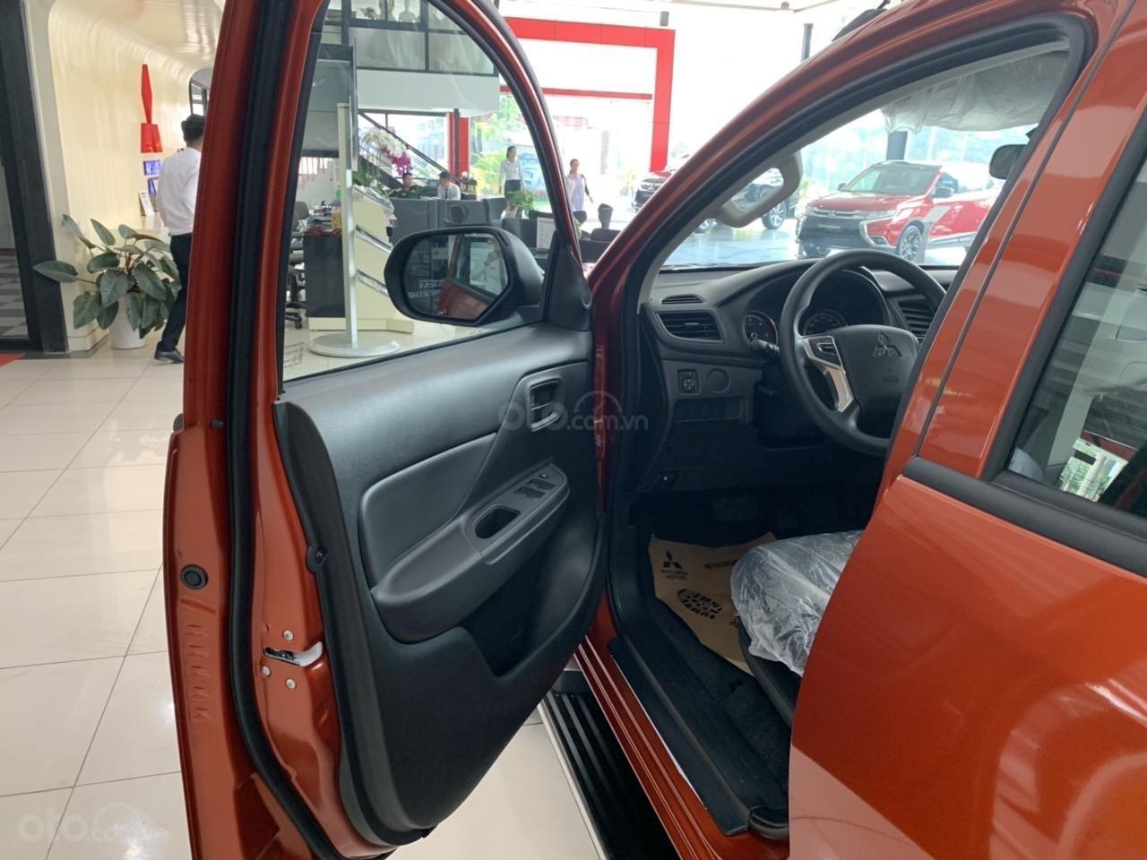 Mitsubishi Triton 4x2 AT Mivec màu cam nhập khẩu giá chỉ 630 triệu, giảm giá tốt nhất thị trường (18)