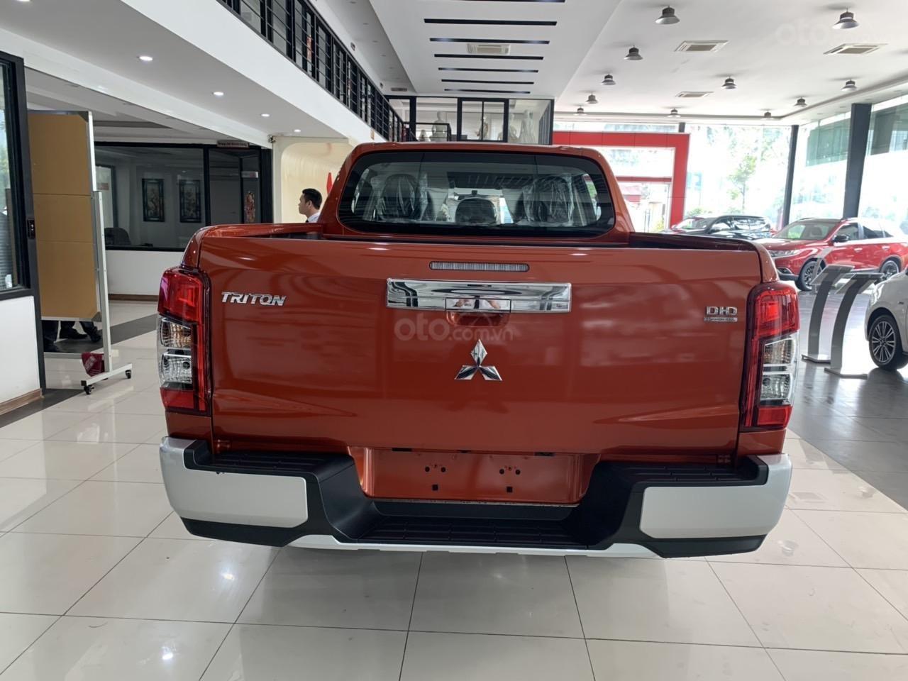 Mitsubishi Triton 4x2 AT Mivec màu cam nhập khẩu giá chỉ 630 triệu, giảm giá tốt nhất thị trường (15)