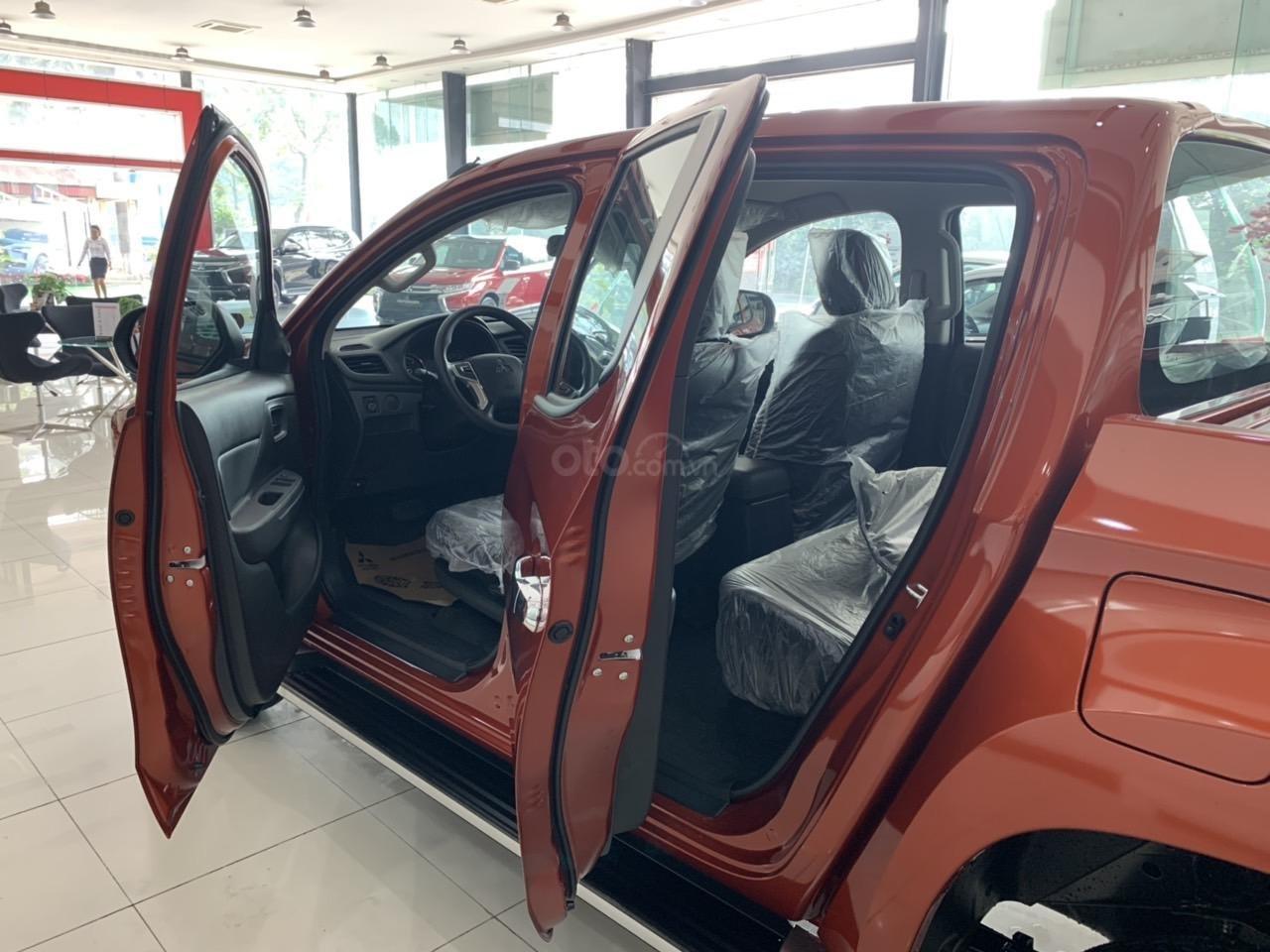 Mitsubishi Triton 4x2 AT Mivec màu cam nhập khẩu giá chỉ 630 triệu, giảm giá tốt nhất thị trường (19)