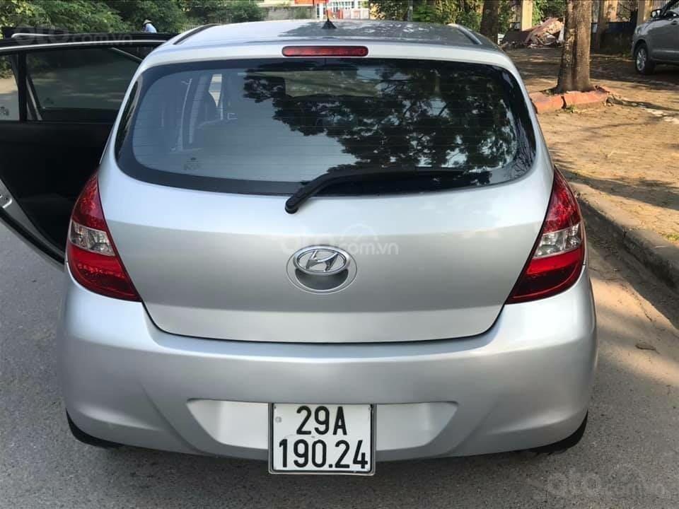 Bán xe Hyundai i20 2011, màu bạc, giá hấp dẫn (7)