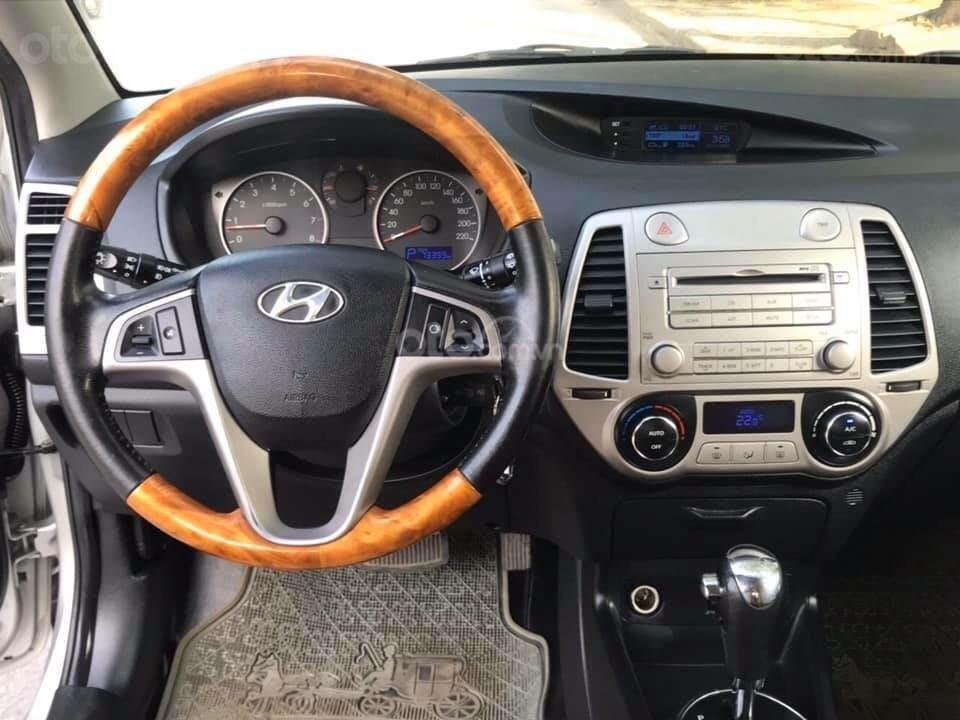 Bán xe Hyundai i20 2011, màu bạc, giá hấp dẫn (4)