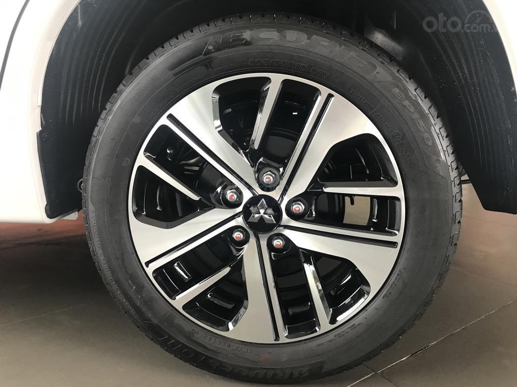 Bán xe Mitsubishi Xpander AT năm 2019, màu trắng, xe nhập khẩu nguyên chiếc, giao xe sớm nhất Hà Nội (9)