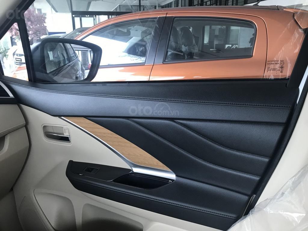 Bán xe Mitsubishi Xpander AT năm 2019, màu trắng, xe nhập khẩu nguyên chiếc, giao xe sớm nhất Hà Nội (7)