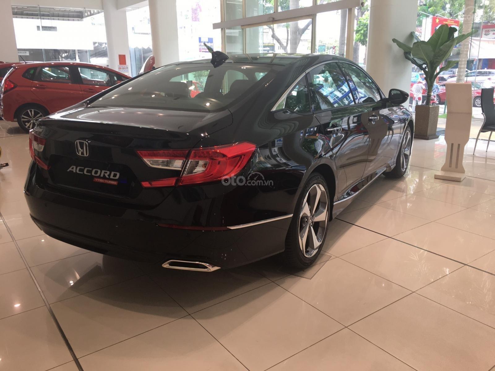 Bán xe Honda Accord năm 2019, màu đen, xe nhập (6)