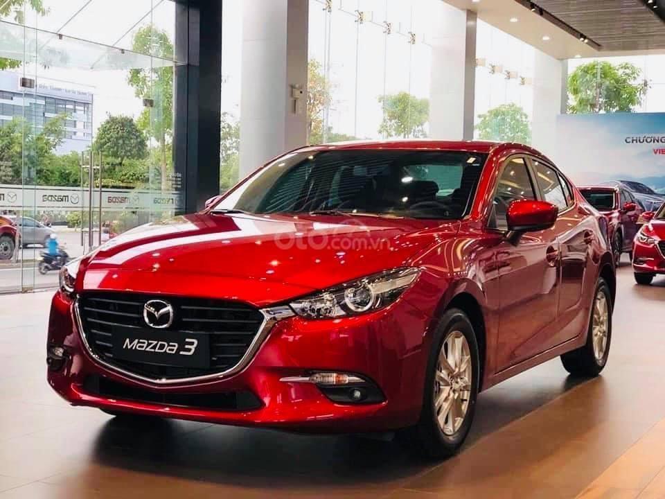 Bán chiếc xe Mazda 3, 2019, màu đỏ, giá ưu đãi cuối năm (1)