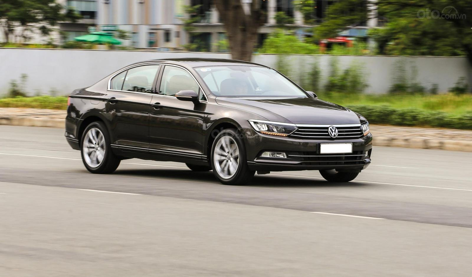 Bán Volkswagen Passat bluemotion, nhập khẩu nguyên chiếc (2)