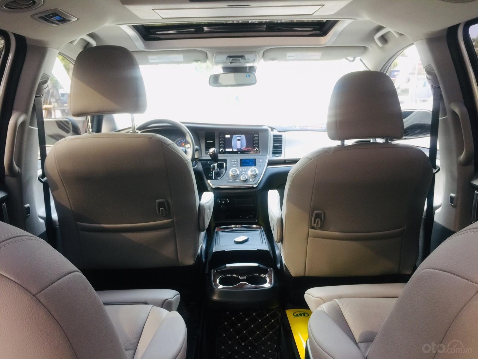 Bán xe Toyota Sienna Limited sản xuất 2018, siêu lướt, giao xe toàn quốc, LH Ms Ngọc Vy 093.996.2368 (17)