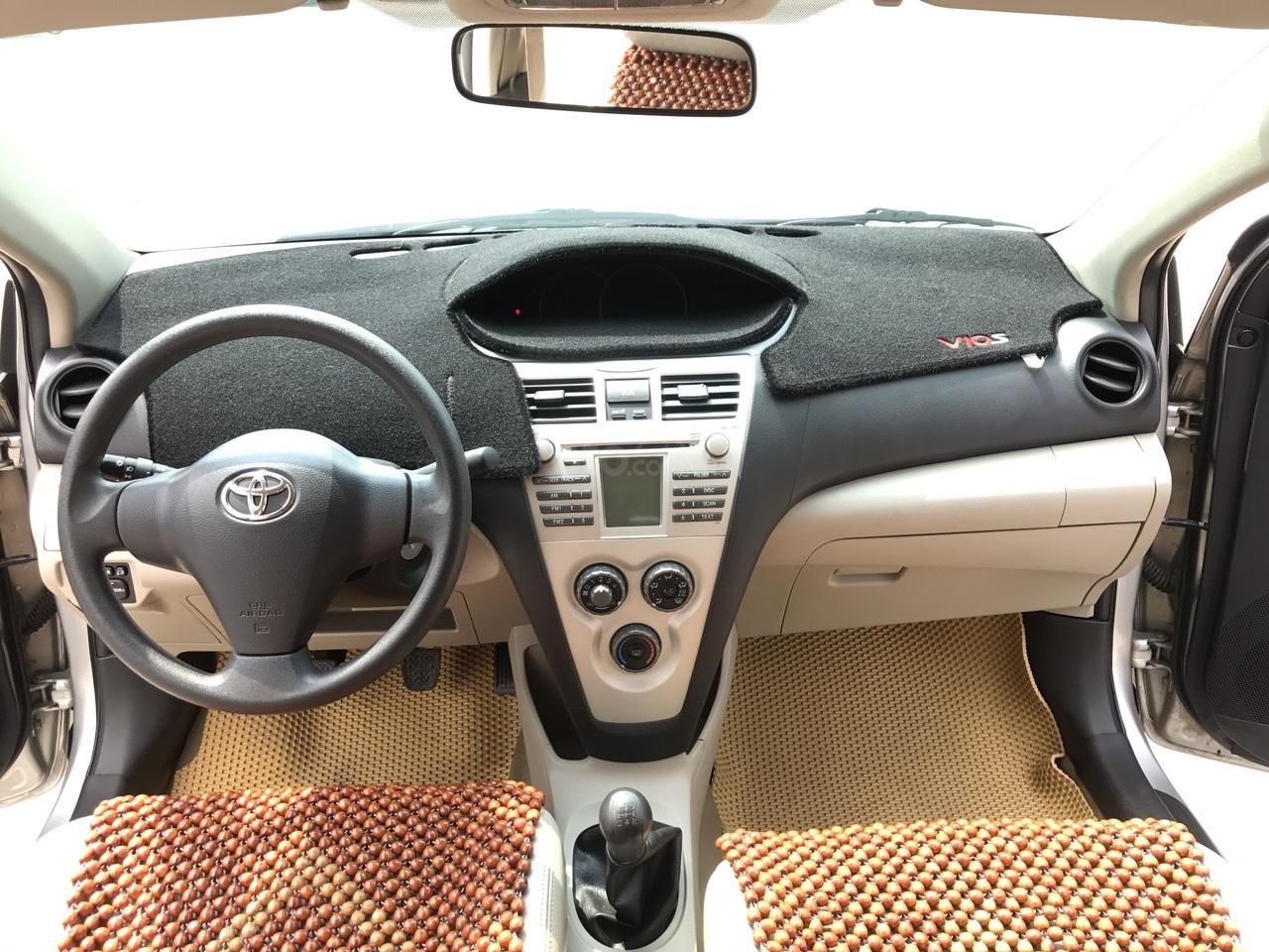 Bán xe Toyota Vios 1.5E đời 2010, màu bạc, nói không với lỗi nhỏ taxi, động chạm máy móc (5)