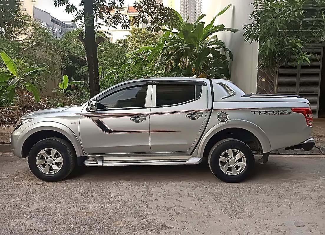 Bán Mitsubishi Triton sản xuất 2017, màu bạc, xe nhập như mới (2)