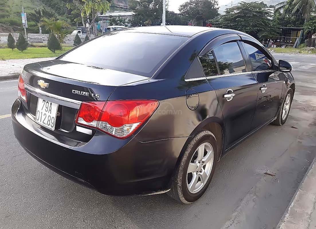 Bán Chevrolet Cruze đời 2011, màu đen, xe gia đình, 310 triệu (2)