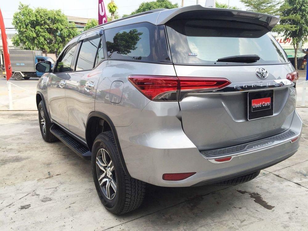 Cần bán gấp Toyota Fortuner năm sản xuất 2019, màu bạc, nhập khẩu nguyên chiếc  (1)