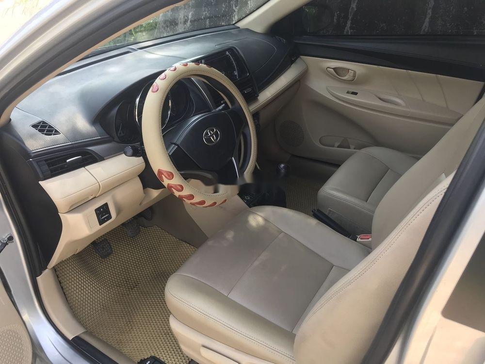 Bán Toyota Vios MT đời 2016, màu bạc (7)