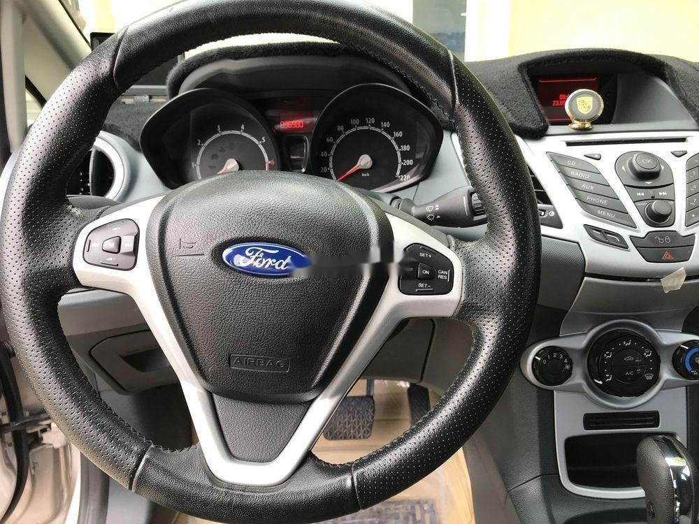 Cần bán xe Ford Fiesta đời 2012, màu vàng còn mới (12)