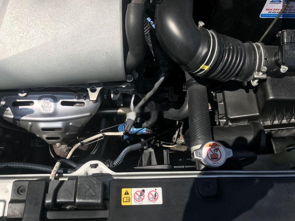 Bán Toyota Vios MT đời 2016, màu bạc (4)