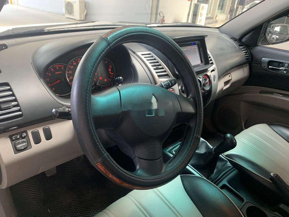 Cần bán xe Mitsubishi Pajero Sport 2.5MT đời 2017, màu trắng số sàn (6)