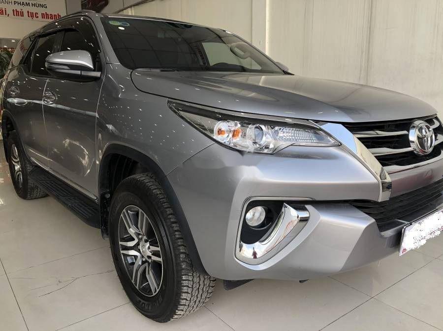 Bán xe Toyota Fortuner đời 2019, màu bạc (1)