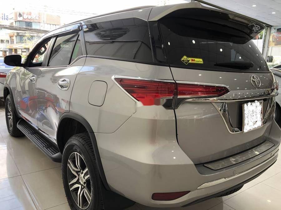 Bán xe Toyota Fortuner đời 2019, màu bạc (2)